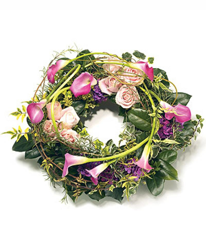 CONTEMPORARY WREATH. Click to enlarge